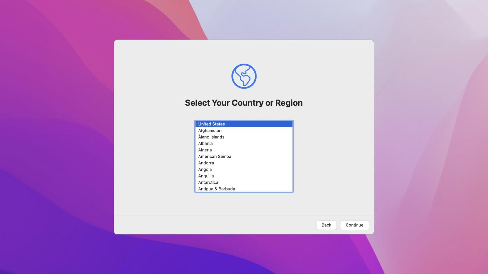 https://www.macfreak.nl/modules/news/images/zArt.macOSMontereySetupAssistant.jpg